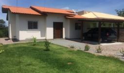 Casa com 3 dormitórios em Araçatuba - REF: 6679