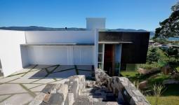Magnífica Casa de 496m² com 5 dormitórios no Panorâmico - REF: 6365