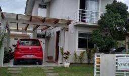 Casa de 3 dormitórios no centro de Garopaba - REF: 6712