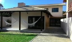 Ampla Residência com 5 dormitórios na Praia da Ferrugem - REF: 6631