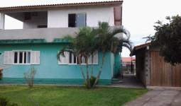 CASA / DOIS ANDARES E 365M2 DE TERRENO - REF: 5972