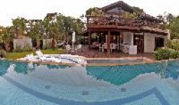 Casa alto padrão c/ piscina na Praia da Ferrugem  - REF: 13